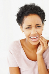 Does Gum Increase Your Risk of TMJ Pain?
