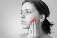 Arrowhead Oral and Maxillofacial Surgery can help if you have jaw pain.